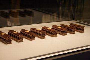 チョコレートケーキ『PIERRE HERME PARIS』