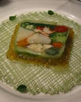 オマール海老と高原野菜を使ったアミューズ