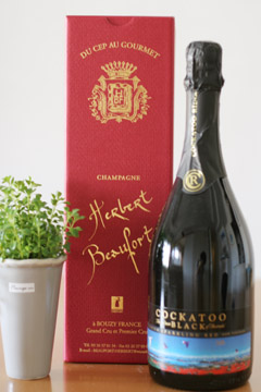 Black Sparkling Red COCKATOO RIDGE