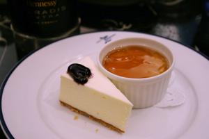 ミク二カフェ『デザート』/紅茶のブランジェ&レアチーズケーキ