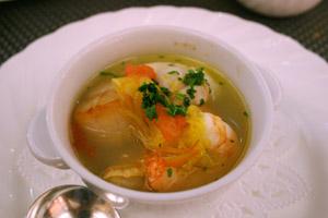 スープ/サフラン風味の魚介スープ