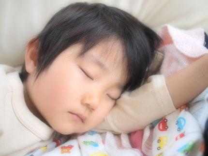 寝る子は育つ!