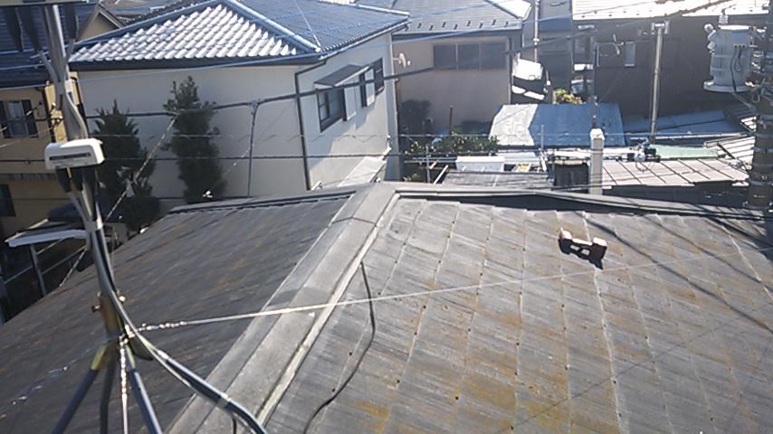 コロニアル葺き屋根・棟被害 1