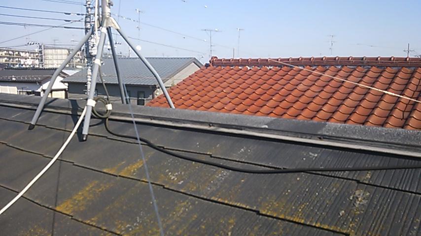 コロニアル葺き屋根・棟被害 4