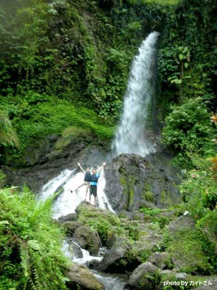 中間地点の滝