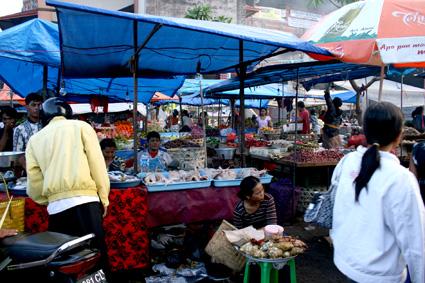 パサールバトゥン市場