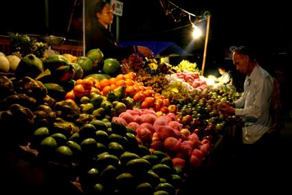 クレネンマーケットの果物屋さん