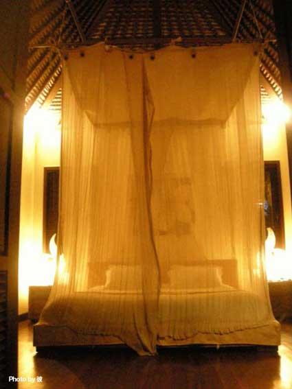 ベッド(夜)