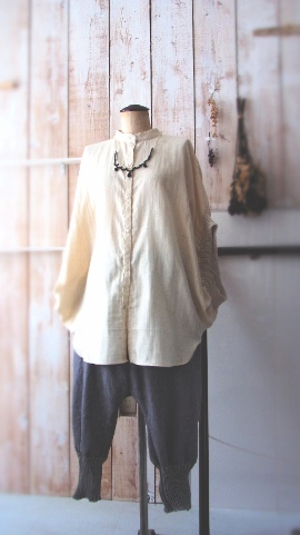 a[スモールエー]春の服