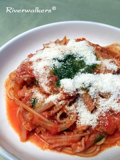 パンチェッタのトマトソース