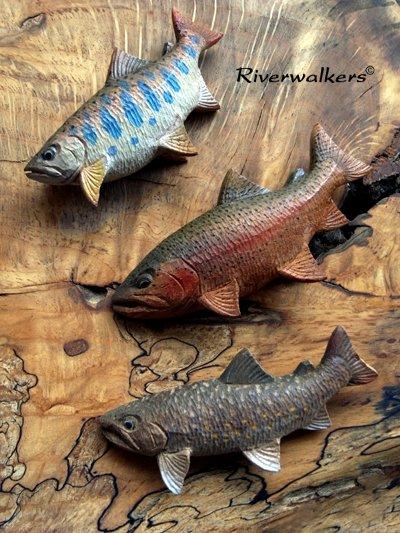 木彫渓魚たち
