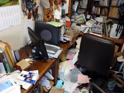仕事部屋の惨状