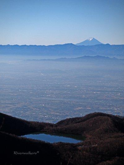 小沼と富士山