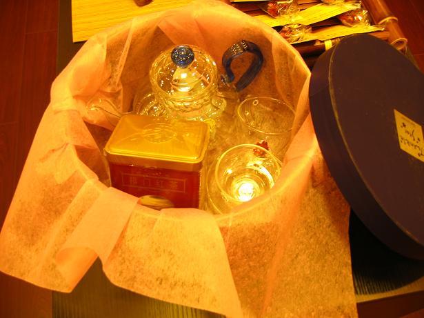 箱に詰めた様子。日本人へのプレゼント向きです。