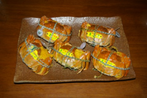 姿蒸しにした上海蟹