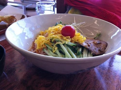 中津川渓谷レストハウスの辛い冷麺