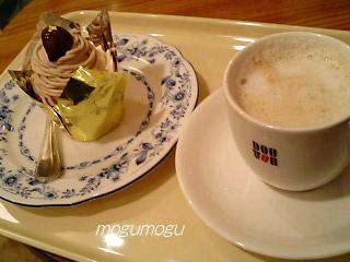 モンブランとカフェラテ