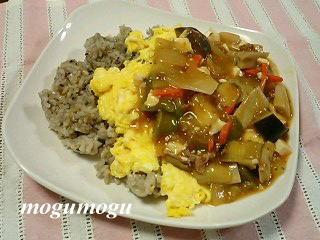 野菜麻婆豆腐オムライス
