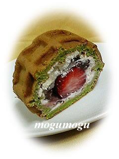 抹茶苺大福ワッフル
