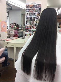 長い髪は5センチのみカットが許されました