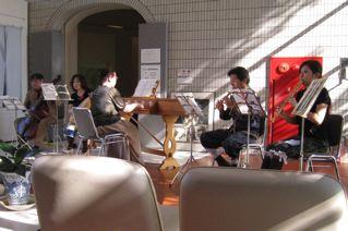 古代楽器、秀吉に献上曲を聴く