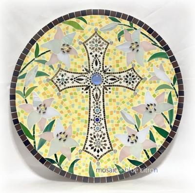 モザイク.モザイクアート,神の子羊,タイル,タイルアート,十字架のモザイク,百合のモザイク,タイルアート