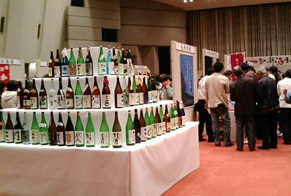 日本酒ビンタワー