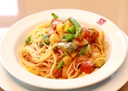 たっぷり野菜のトマトソーススパゲッティ