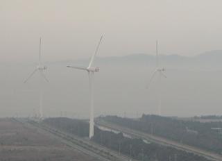 蔵王山からの田原市の風車
