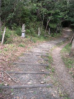 蔵王山、西国三十三ヶ所霊場めぐりの道