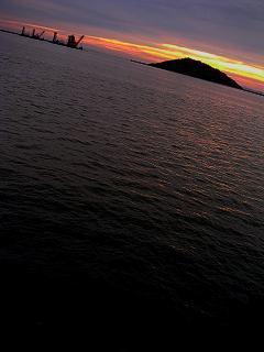 姫島と夕陽