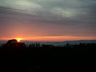三河湾に沈む夕陽