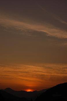 神山の夕陽