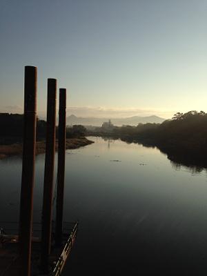 吉田大橋から石巻山遥拝