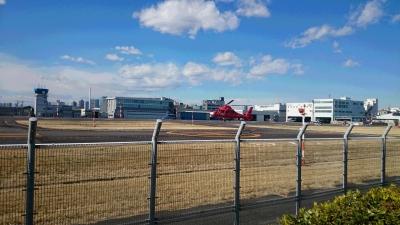 東京ヘリポートの消防庁ヘリコプターおおたかの着陸画像