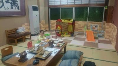 鬼怒川絆のキッズスペース付の食事部屋の画像