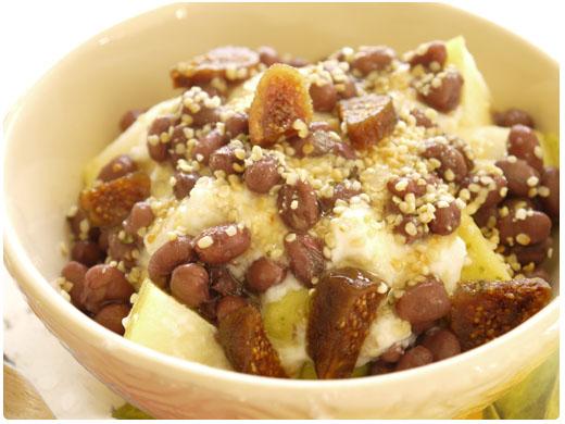 ヨーグルトとゆで小豆