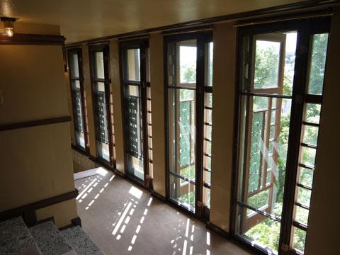 ヨドコウ迎賓館の窓