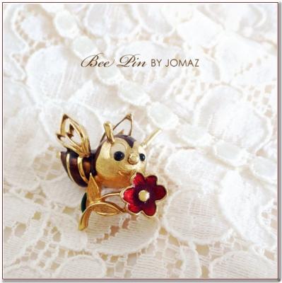 お花を持った蜂のビンテージブローチ JOMAZ(ジョマズ)