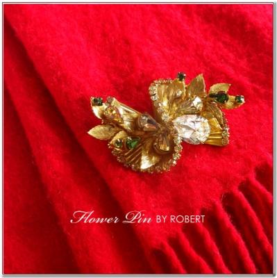 ゴールドリーフのアンティークブローチ ORIGINAL BY ROBERT(オリジナルバイロバート)