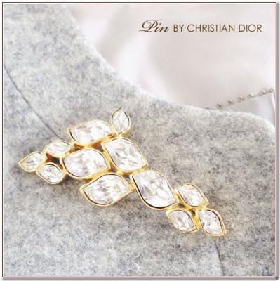 クリスタルのブローチ Cristian Dior(クリスチャンディオール)