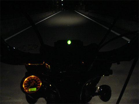 小振りなライトですが光量は充分です。