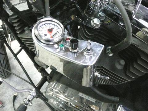 メーターステー兼用スイッチボックス製作されました。
