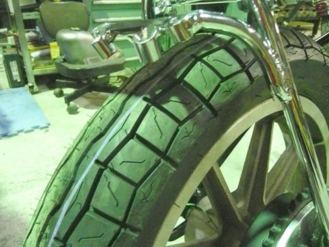 タイヤは IRC の GS-19 がチョイスされました。