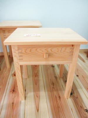 家具/ベッドサイドテーブル