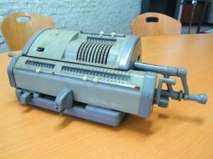 手動計算機(2)