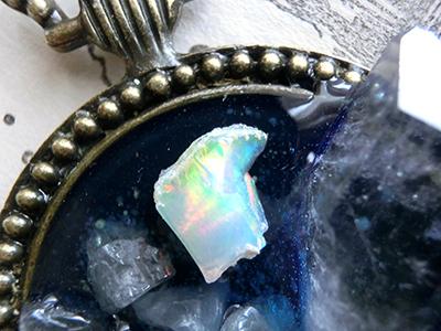 鉱物タルト/虹を纏った星
