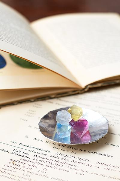 『遊べる鉱物図鑑』