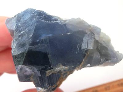 黒い森の青い蛍石/きらら舎