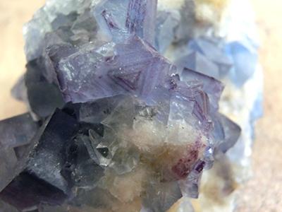 母岩付きビンガム蛍石